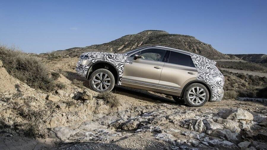 Volkswagen công bố hình ảnh nội thất của Touareg 2019 - Hình 10