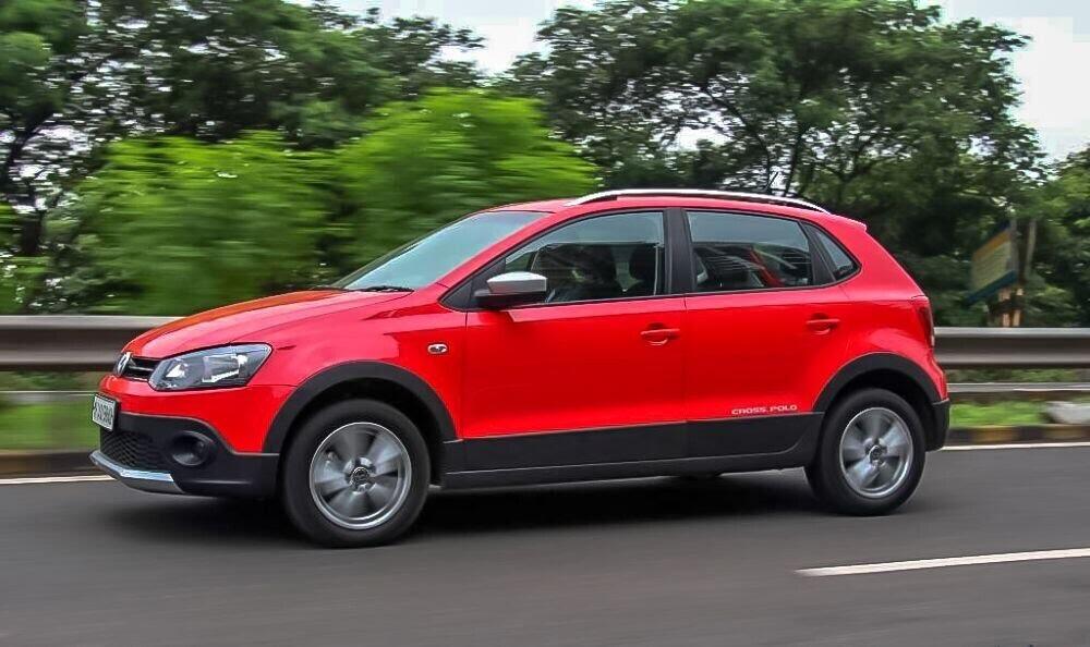 Volkswagen Cross Polo đỏ hồng tươi và Beetle Dune Socola - Hình 5