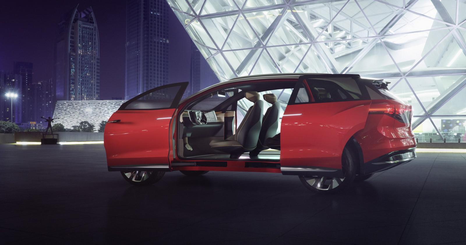 volkswagen-id-roomzz-concept-suv-dien-co-cu-li-di-chuyen-450-km-va-lap-dat-3-hang-ghe-duoc-ra-mat-2.jpg