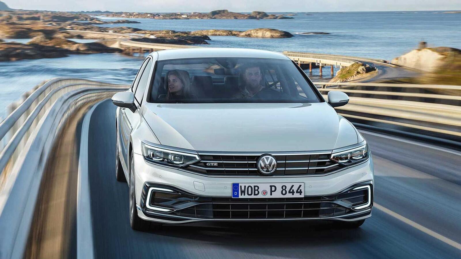 Volkswagen Passat 2020 mới phiên bản châu Âu; thêm đèn LED matrix; tương lai có thể về Việt Nam - Hình 1