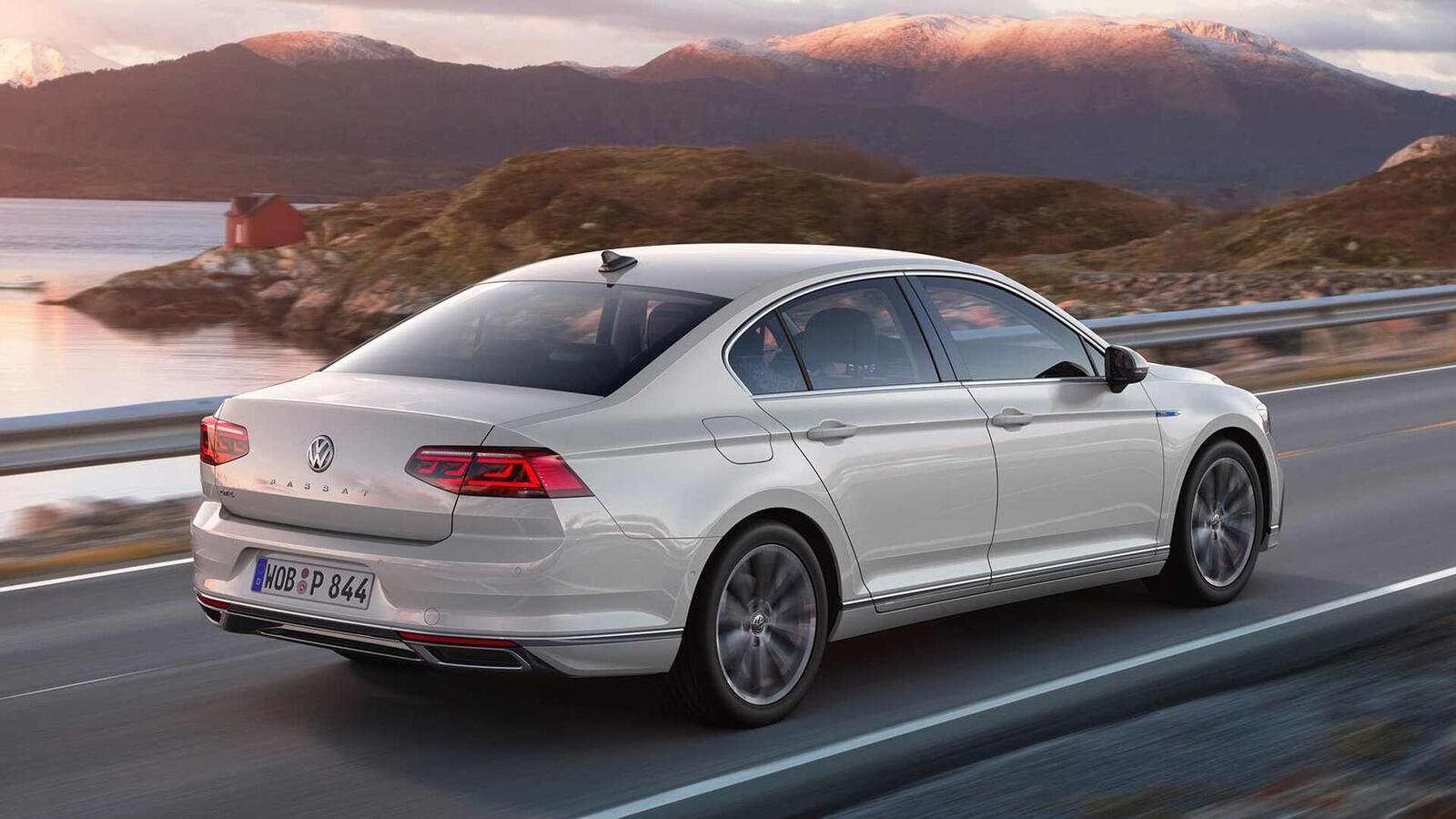 Volkswagen Passat 2020 mới phiên bản châu Âu; thêm đèn LED matrix; tương lai có thể về Việt Nam - Hình 12