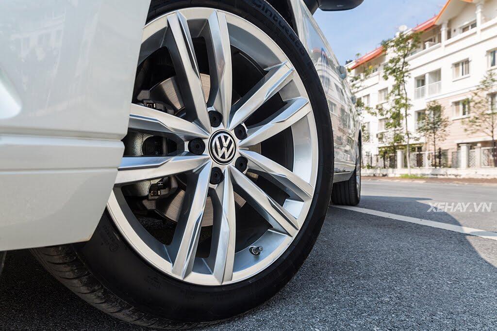 Volkswagen Passat Bluemotion - Làn gió lạ từ nước Đức - Hình 12