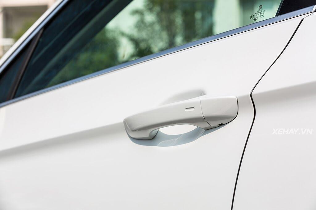 Volkswagen Passat Bluemotion - Làn gió lạ từ nước Đức - Hình 15