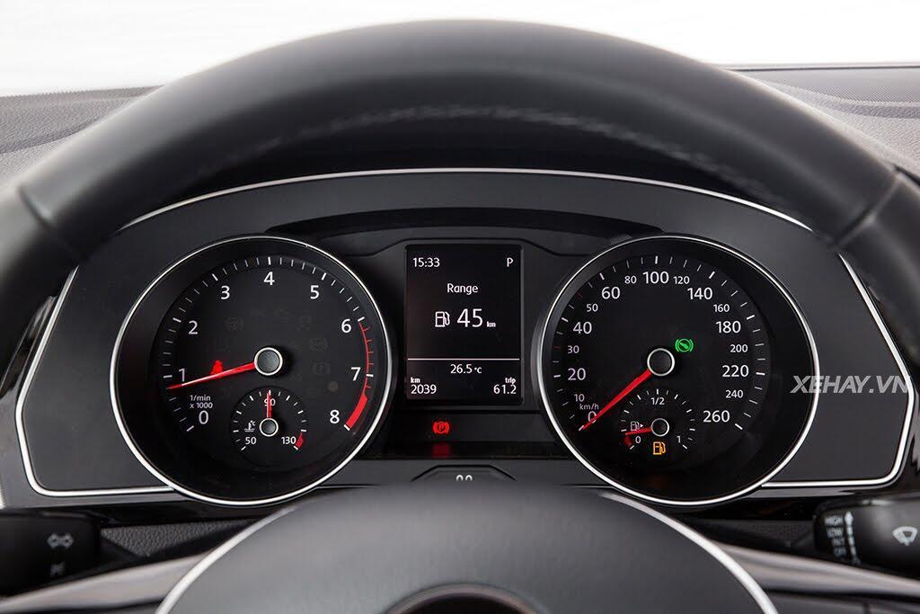 Volkswagen Passat Bluemotion - Làn gió lạ từ nước Đức - Hình 22