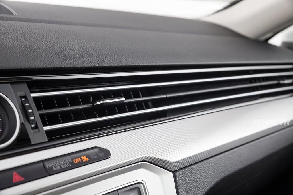 Volkswagen Passat Bluemotion - Làn gió lạ từ nước Đức - Hình 35
