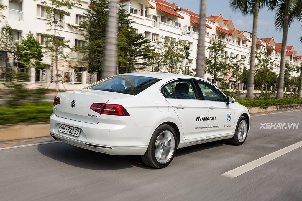 Volkswagen Passat Bluemotion - Làn gió lạ từ nước Đức - Hình 42