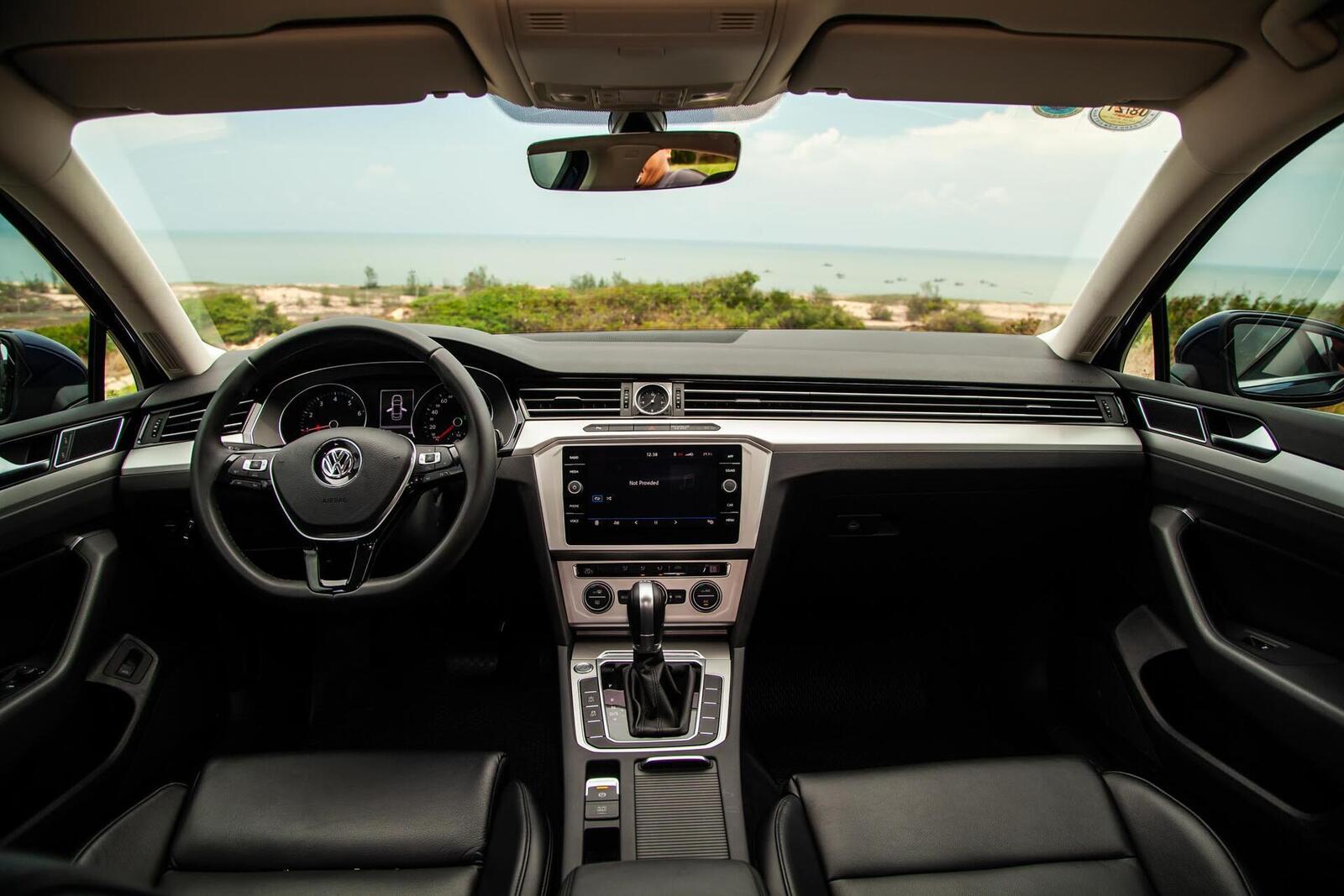Volkswagen Passat Bluemotion: Lựa chọn xe Đức duy nhất trong phân khúc - Hình 17