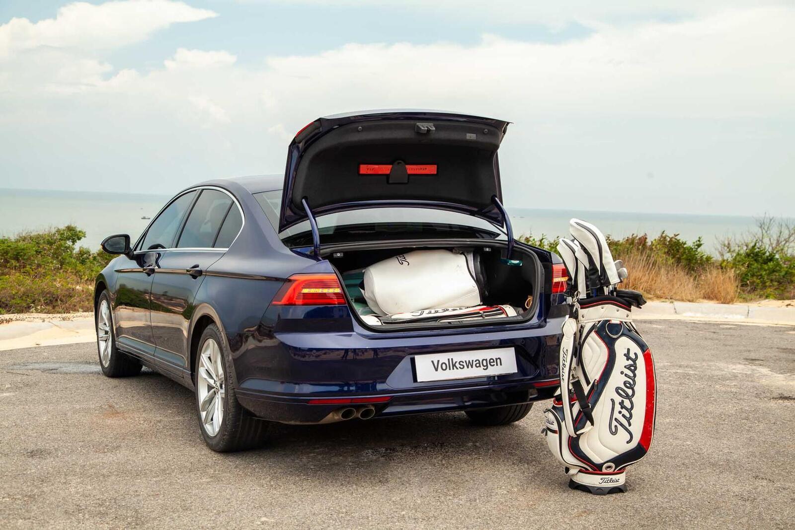 Volkswagen Passat Bluemotion: Lựa chọn xe Đức duy nhất trong phân khúc - Hình 25