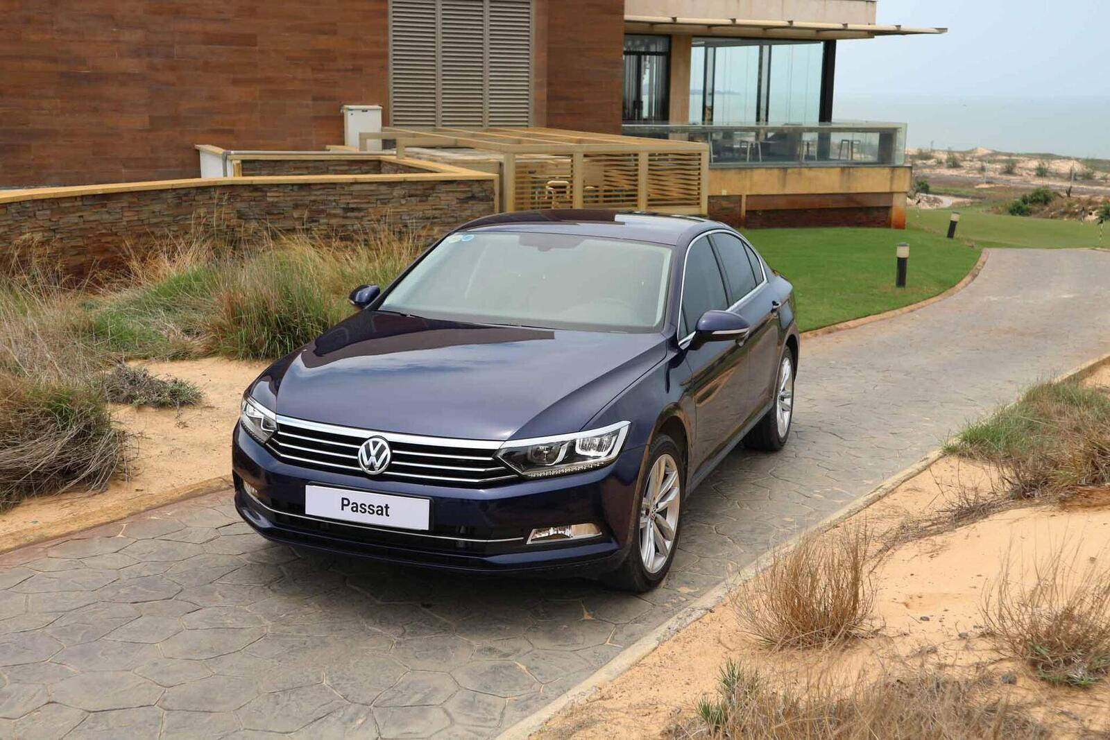 Volkswagen Passat Bluemotion: Lựa chọn xe Đức duy nhất trong phân khúc - Hình 3