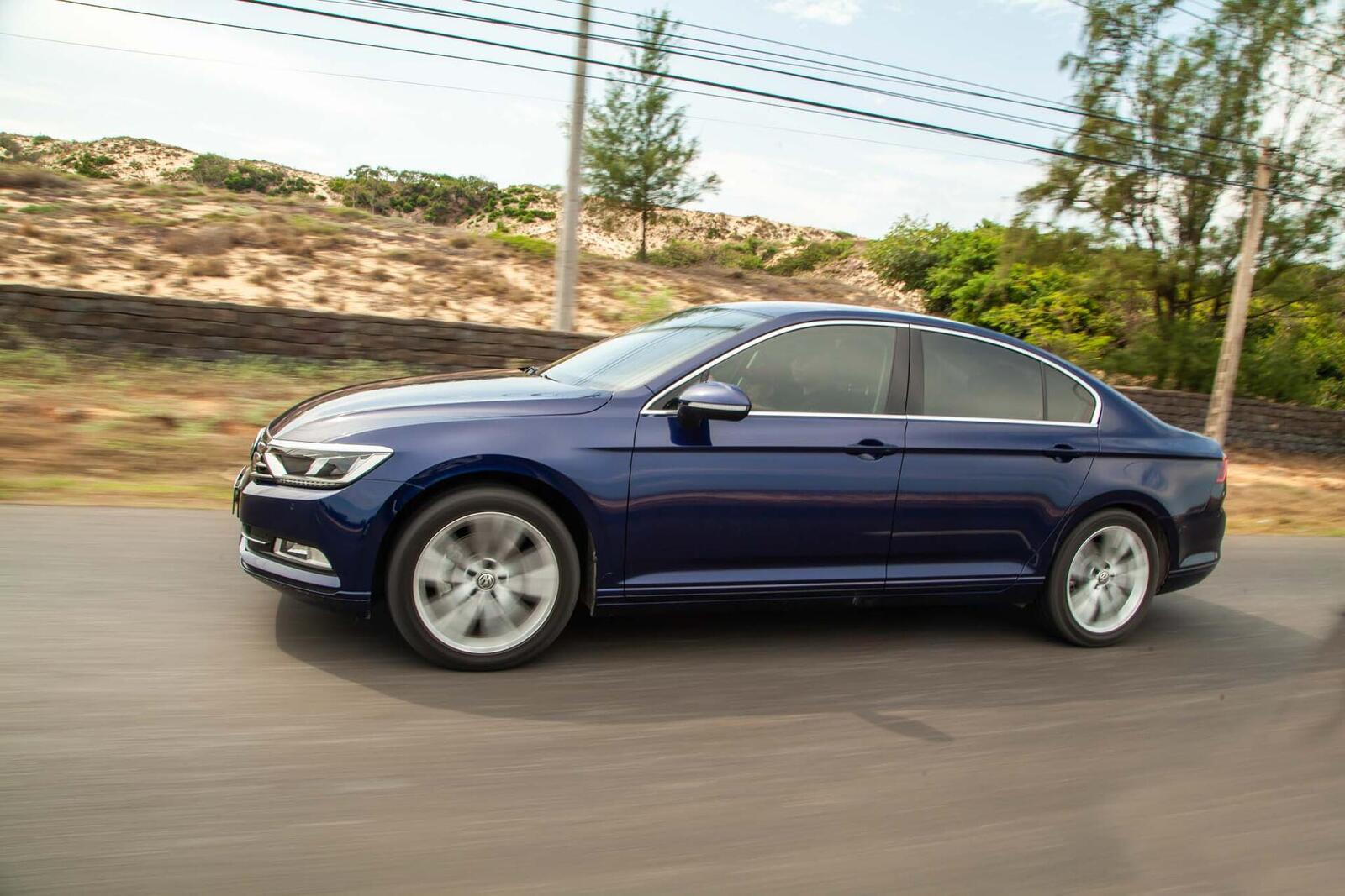 Volkswagen Passat Bluemotion: Lựa chọn xe Đức duy nhất trong phân khúc - Hình 6