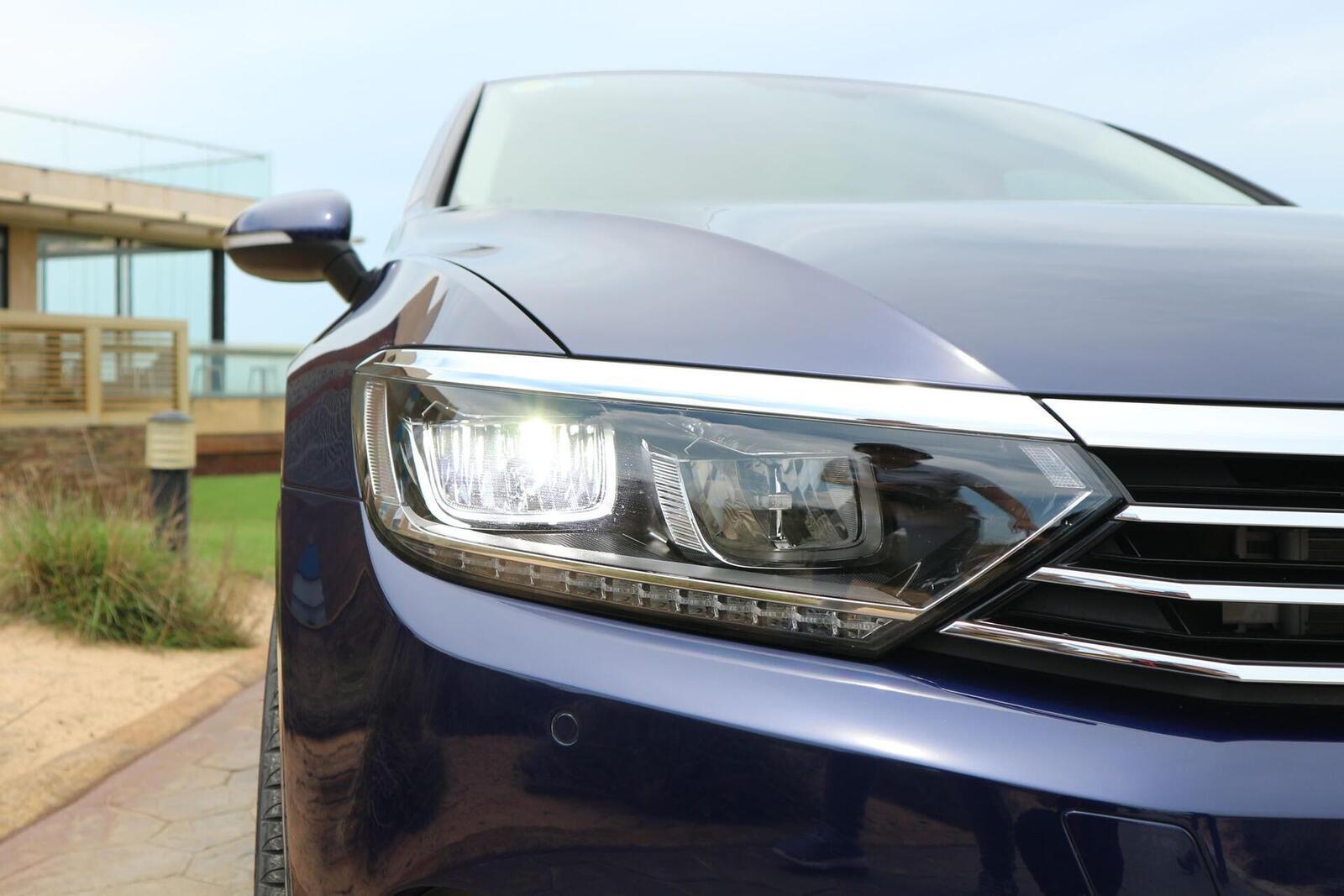 Volkswagen Passat Bluemotion: Lựa chọn xe Đức duy nhất trong phân khúc - Hình 9
