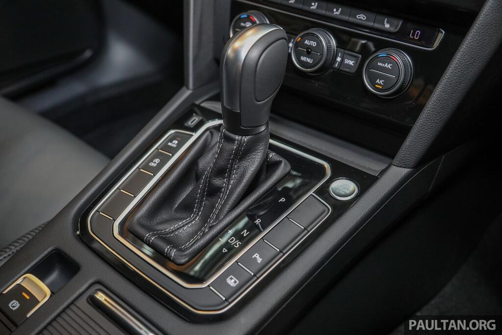 volkswagen-passat-r-line-2020-ra-mat-tai-dna-kieu-dang-the-thao-hon