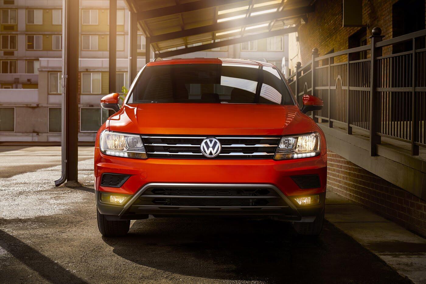 Volkswagen Tiguan 2018 có giá từ 25.345 USD - Hình 2