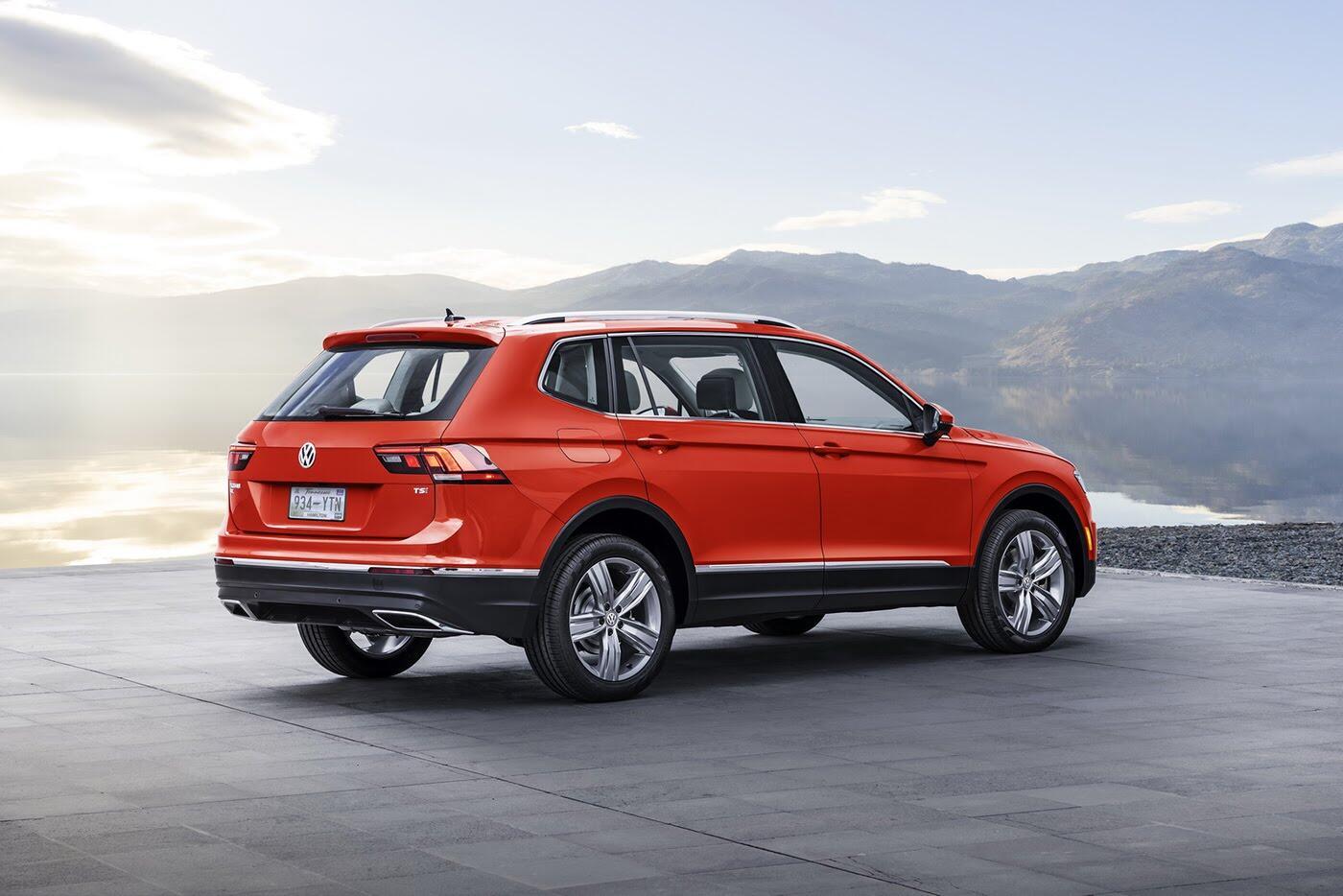 Volkswagen Tiguan 2018 có giá từ 25.345 USD - Hình 3