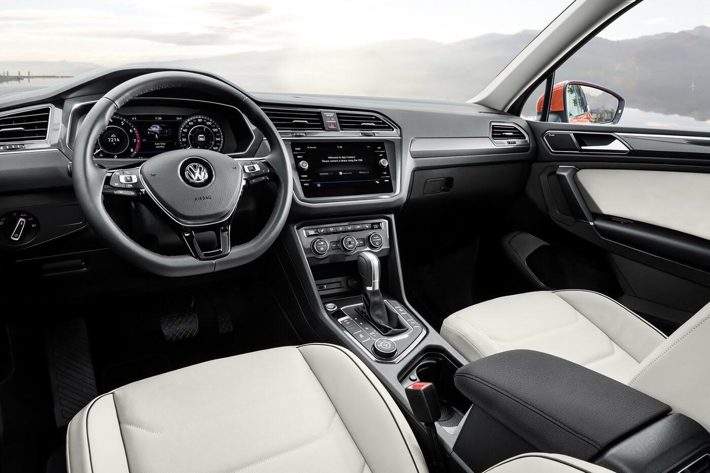 Volkswagen Tiguan 2018 có giá từ 25.345 USD - Hình 4