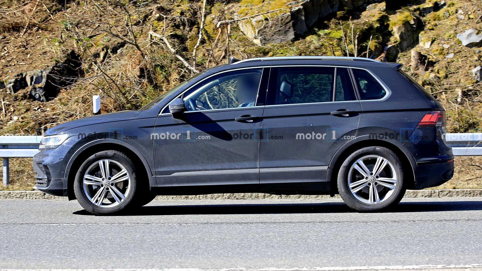volkswagen-tiguan-facelift-spy-photo-3.jpg
