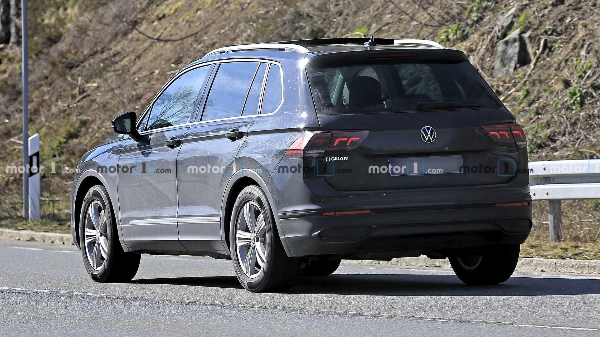 volkswagen-tiguan-facelift-spy-photo-4.jpg