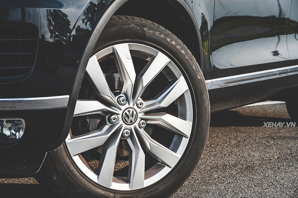 Volkswagen Touareg - Đậm chất Đức - Hình 28
