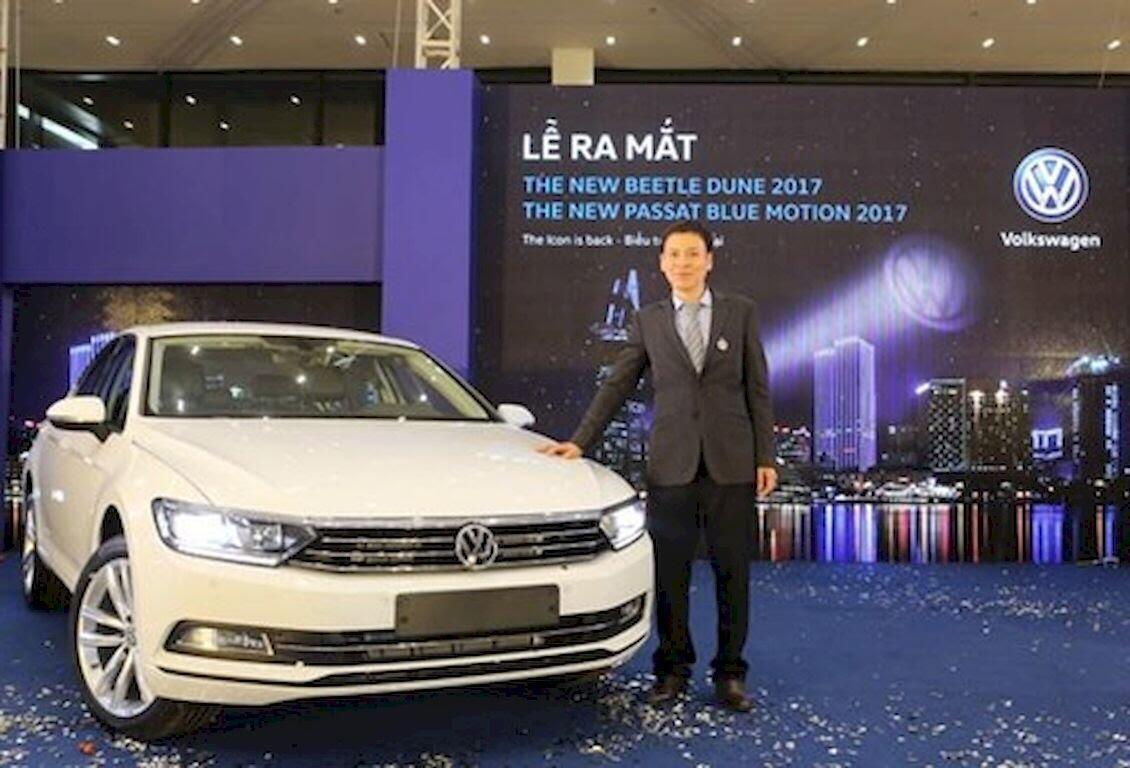 Volkswagen Việt Nam ra mắt Beetle Dune 2017 và Passat Bluemotion 2017 - Hình 1