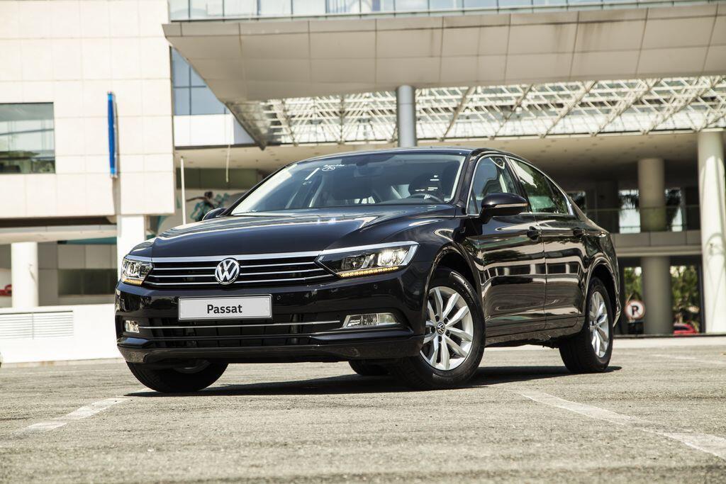 volkswagen-viet-nam-uu-dai-toi-140-trieu-dong-cho-passat-trong-thang-12-2019