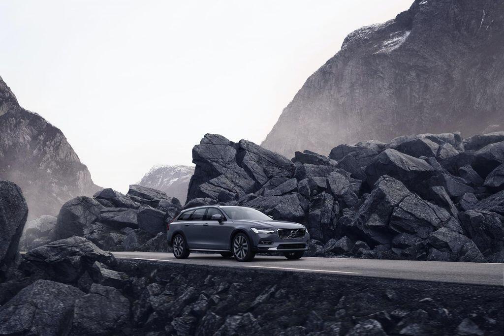 volvo-s90-va-v90-ban-facelift-2021-nang-cap-nho-nhung-co-vo