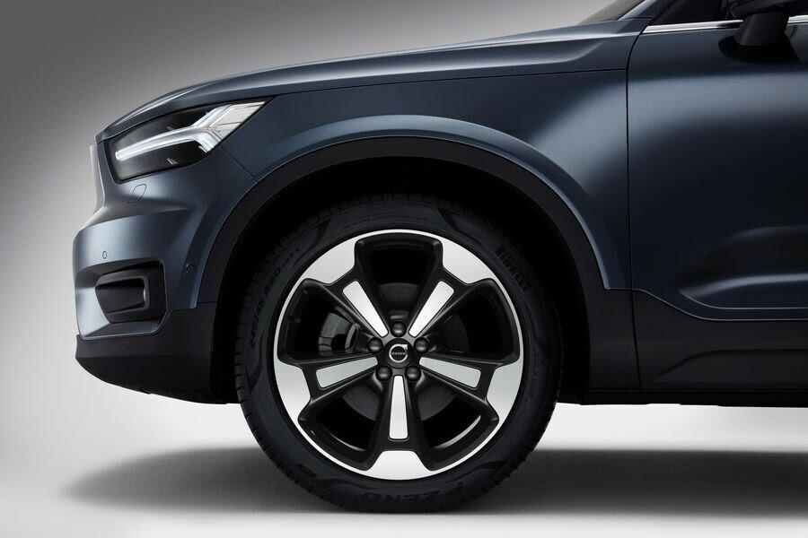 """Volvo XC40 Inscription 2019 tăng """"chất sang"""" để ra mắt khách hàng Mỹ - Hình 6"""
