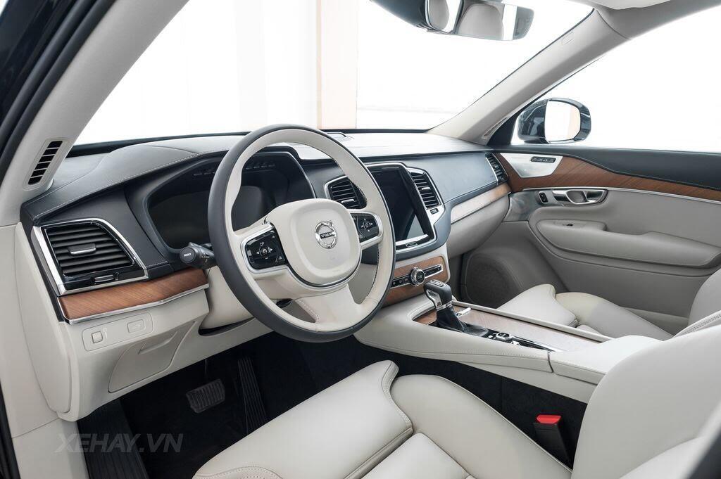 Volvo XC90 2017 - An toàn là sang trọng - Hình 11