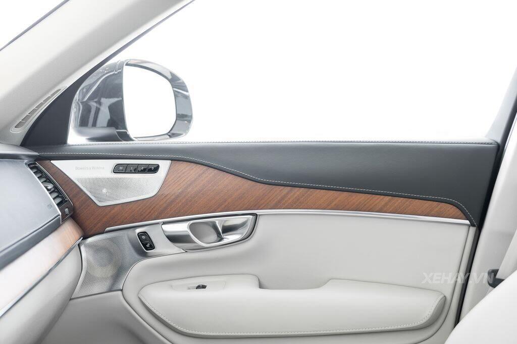 Volvo XC90 2017 - An toàn là sang trọng - Hình 27