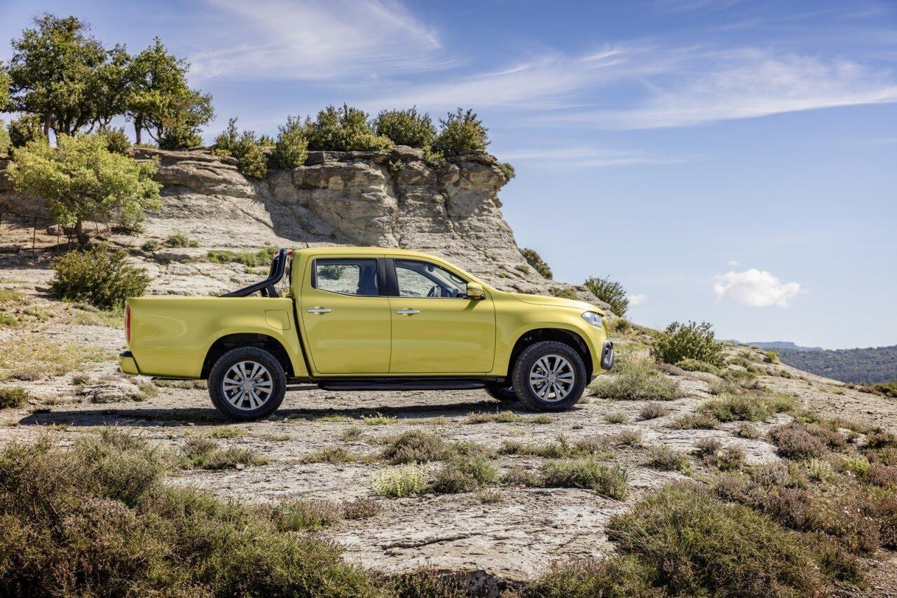 X-Class - bán tải hạng sang đầu tiên của Mercedes chính thức ra mắt - Hình 11