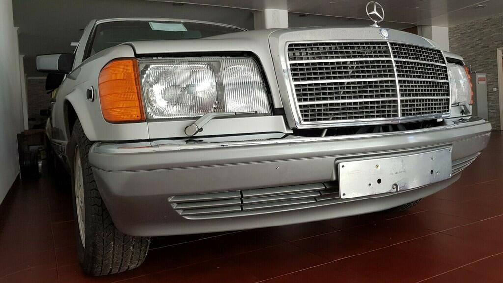 xe-co-mercedes-560-sel-doi-1986-duoc-rao-ban-voi-gia-170-000-usd