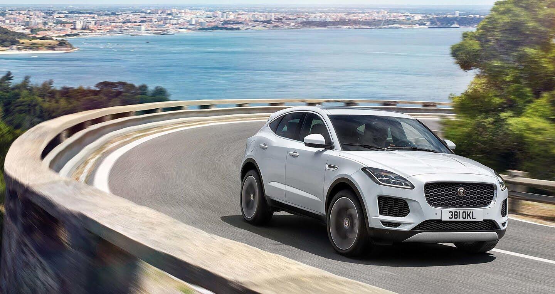 Xe Jaguar mới phá kỷ lục Guinness khi bay xa 15,3m - Hình 6