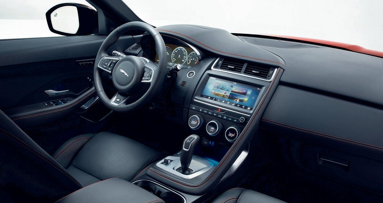 Xe Jaguar mới phá kỷ lục Guinness khi bay xa 15,3m - Hình 9