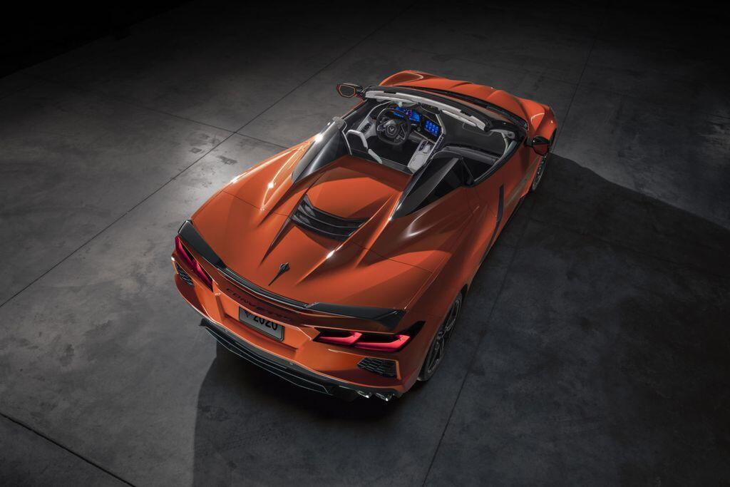 xe-my-chevrolet-corvette-stingray-2020-mui-tran-se-chi-nang-hon-ban-coupe-dung-36-kg