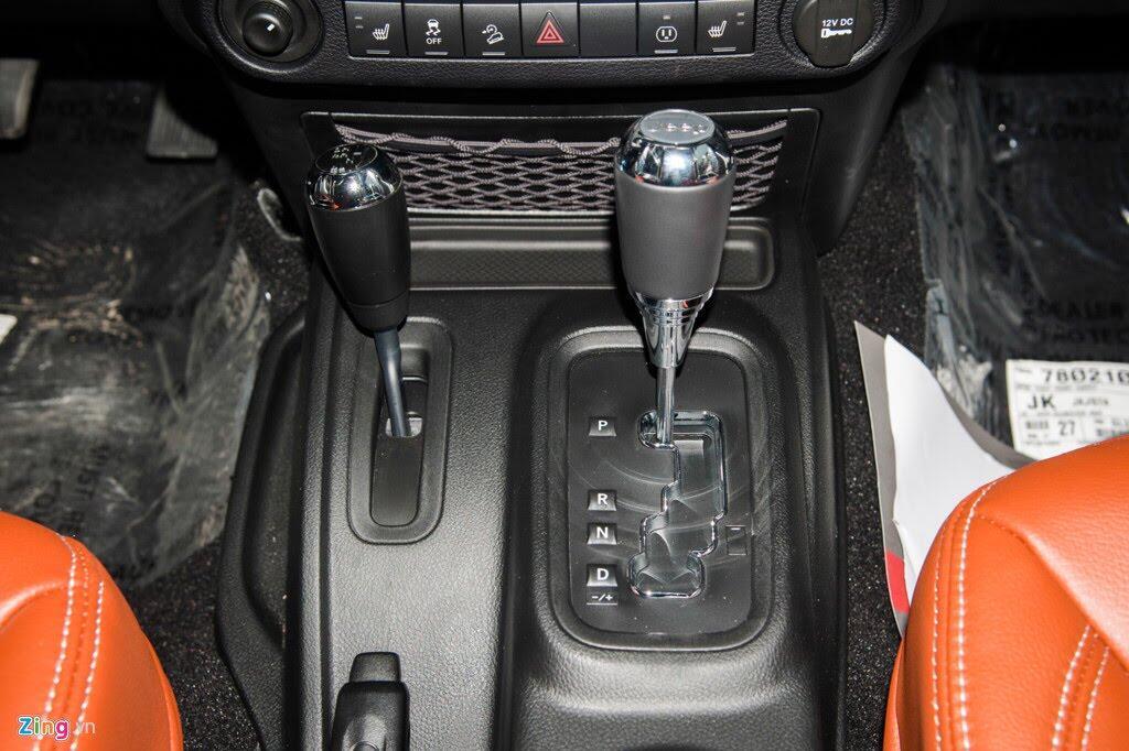 Xe off-road Mỹ giá hơn 4 tỷ tại Việt Nam - Hình 6