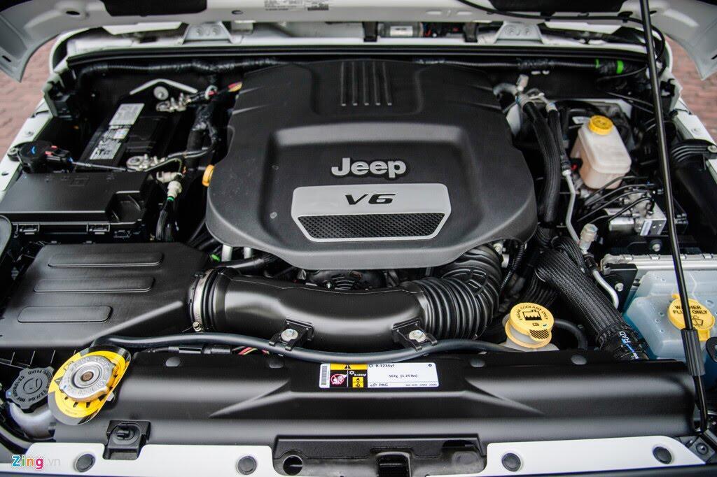 Xe off-road Mỹ giá hơn 4 tỷ tại Việt Nam - Hình 9