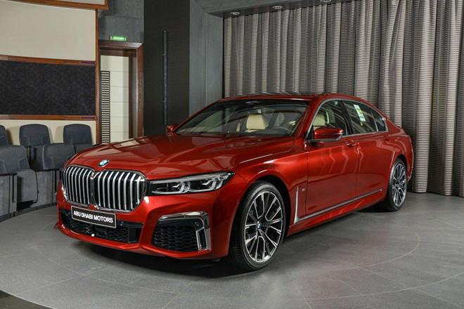 xe-sang-co-lon-bmw-730li-dung-dong-co-ti-hon-dung-tich-2-0l-2.jpg