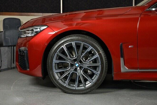 xe-sang-co-lon-bmw-730li-dung-dong-co-ti-hon-dung-tich-2-0l-4.jpg