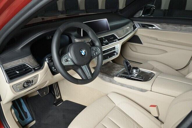 xe-sang-co-lon-bmw-730li-dung-dong-co-ti-hon-dung-tich-2-0l-5.jpg