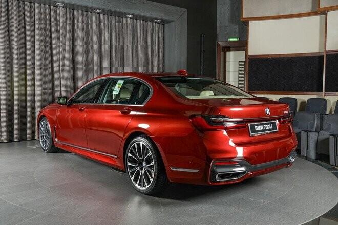 xe-sang-co-lon-bmw-730li-dung-dong-co-ti-hon-dung-tich-2-0l-6.jpg