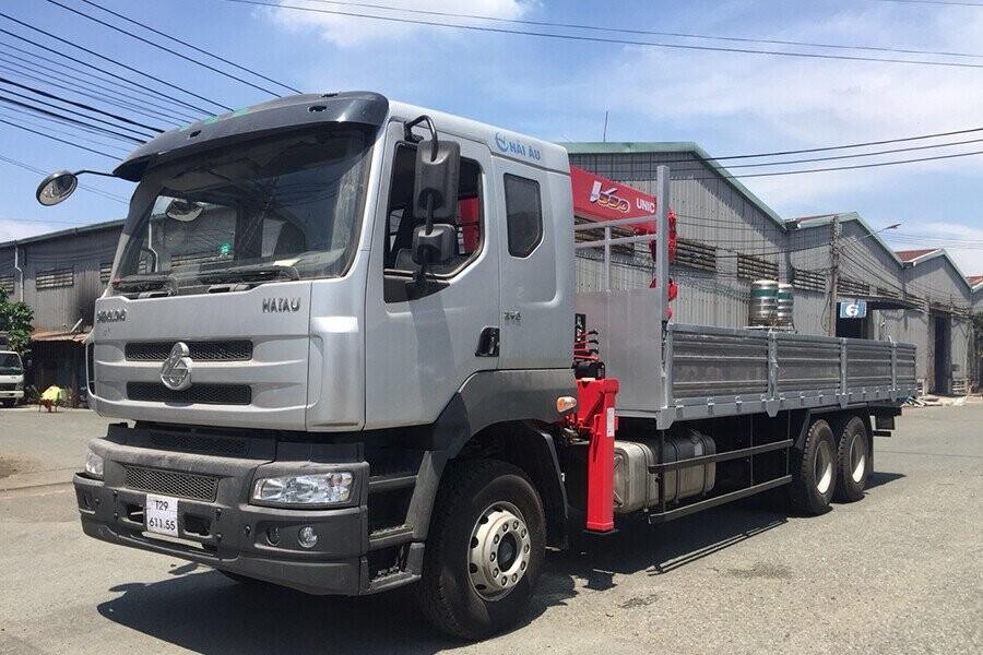 Tổng Quan xe tải ChengLong gắn cẩu