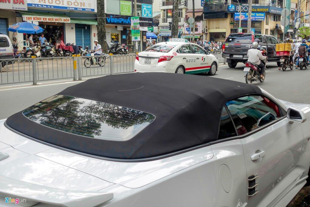 Xe thể thao Chevrolet Camaro 2017 đầu tiên trên đường Sài Gòn - Hình 4