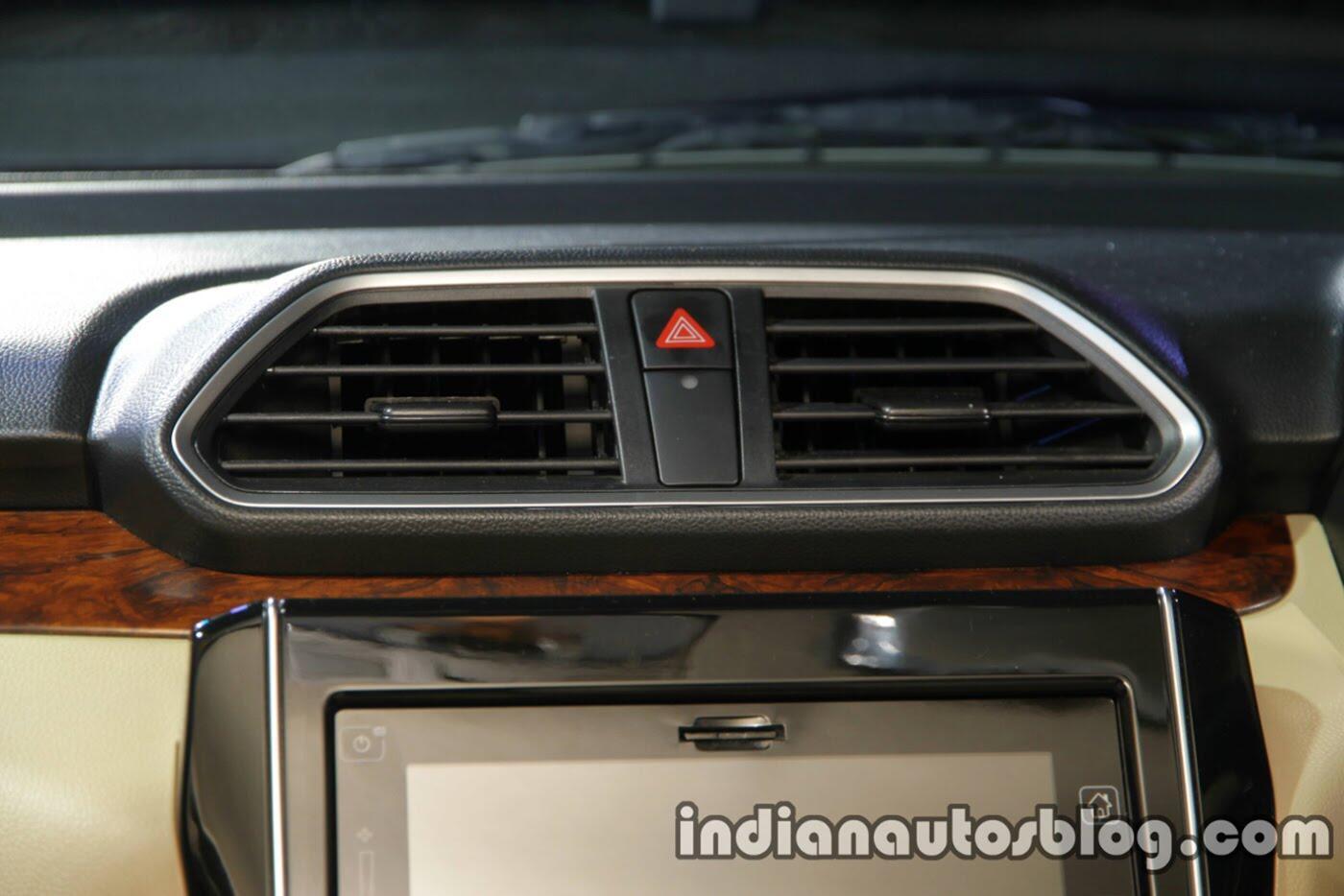Xem thêm ảnh phiên bản sedan của Suzuki Swift 2018 - Hình 18