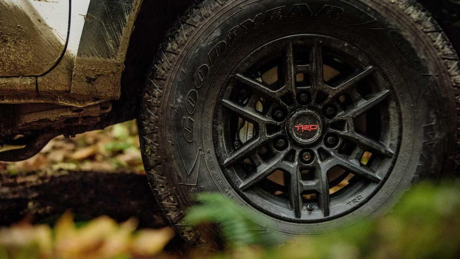 Xem trước bán tải Toyota Tacoma 2020 mới trước ngày ra mắt đối thủ đáng gờm của Ford Ranger - Hình 5