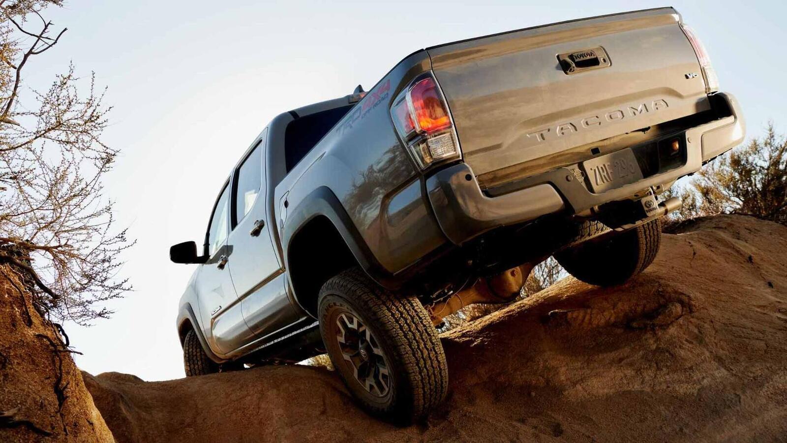 Xem trước bán tải Toyota Tacoma 2020 mới trước ngày ra mắt đối thủ đáng gờm của Ford Ranger - Hình 9