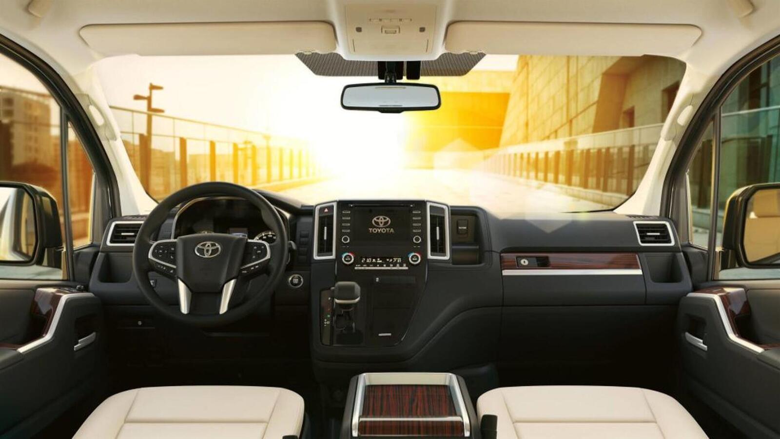 Xem trước MPV Toyota Granvia sắp được ra mắt: Định vị dưới Alphard một bậc - Hình 3
