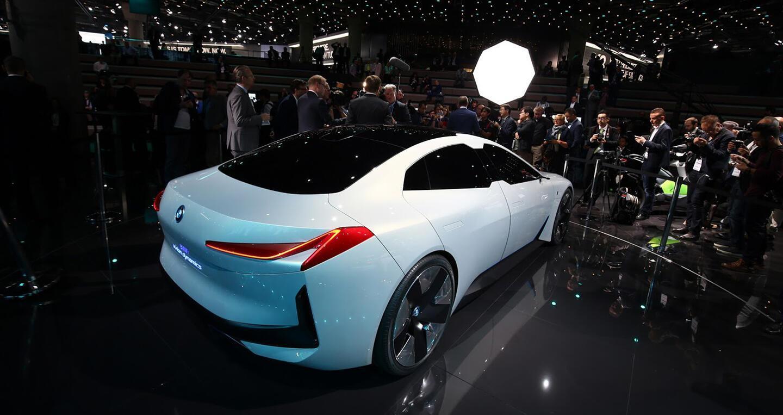 """Xem trước """"xe tương lai"""" của Mercedes-Benz, Audi và BMW - Hình 13"""