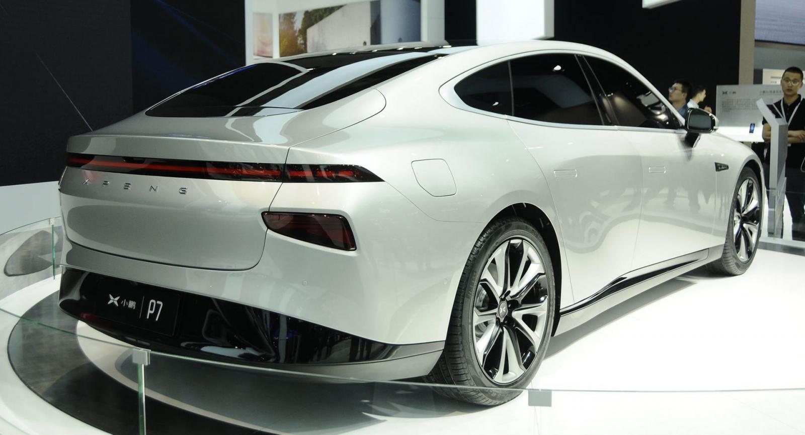 xpeng-p7-sedan-the-thao-dien-co-he-thong-tu-lai-cap-3-di-chuyen-600-km-duoc-ra-mat-3.jpg